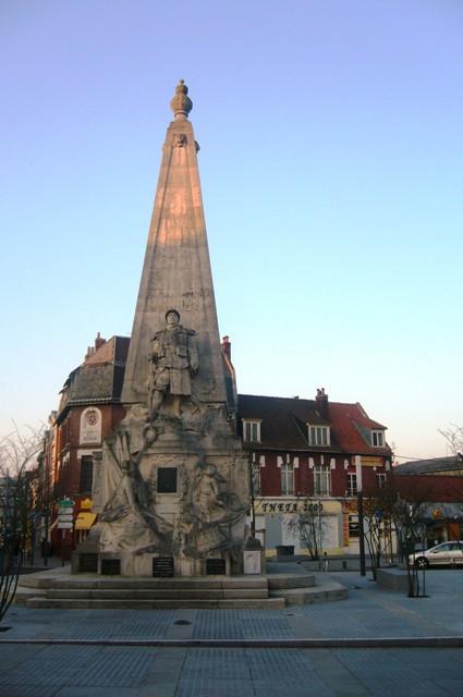 monument aux morts d`Armentières